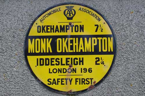 Monkokehampton sign